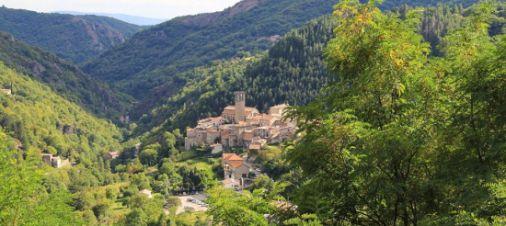 Au cœur des Monts d'Ardèche : Pays d'Aubenas, Vals et Antraïgues